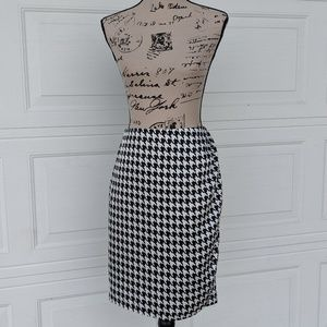 Liz Claiborne Houndstooth Ruched Skirt Lined 10P